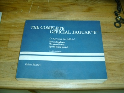 the complete offical jaguar E type book